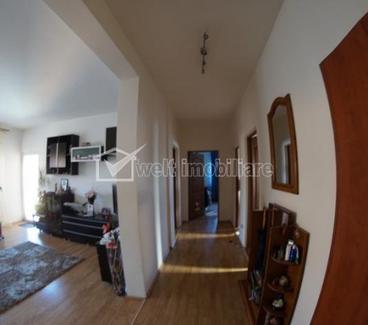 Apartament de vanzare, 3 camere, semidecomandat, cartier Andrei Muresanu!