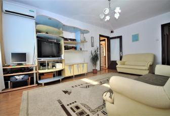 Vanzare apartament cu 3 camere, zona Grivitei.