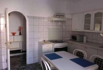 Apartament cu 3 camere de inchiriat in zona Trocadero