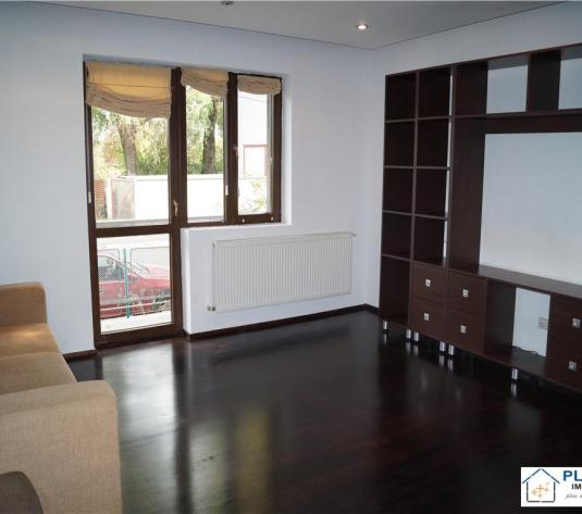 Apartament 2 camere, Centru, decomandat, super finisat