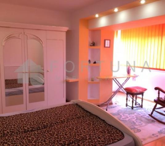 Detalii Apartament 4 camere mobilat utilat zona Centrul Civic