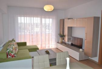 Inchiriere apartament 2 camere cu loc de parcare in Viva City