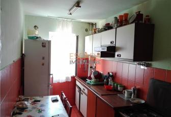 Vanzare apartament 3 camere, 50 mp, zona Auchan Iris!