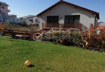 Inchiriere casa individuala familiala cu gradina, 180mp, Floresti, lux