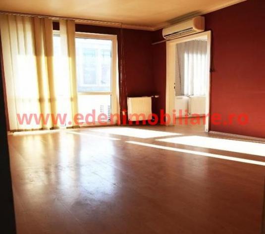 Apartament 3 camere de vanzare in Cluj, zona Centru, 119000 eur