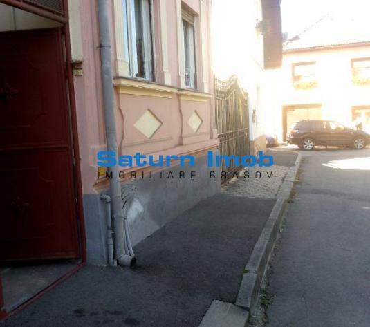 Vand casa, 3 camere, singur in curte, zona Marzescu.