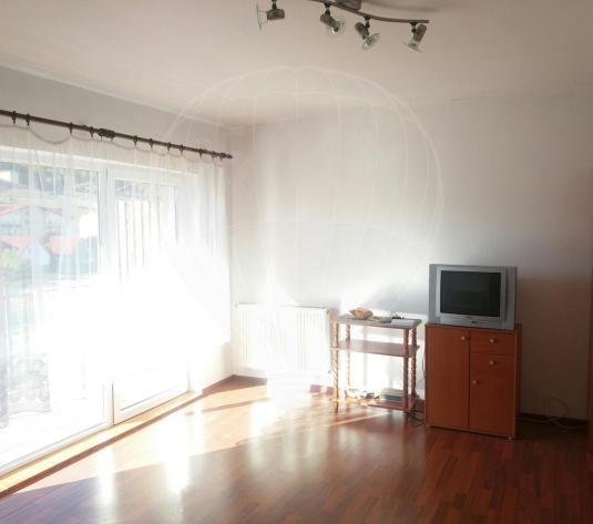 Apartament cu o camera 38 mp. Comision 0% - imagine 1