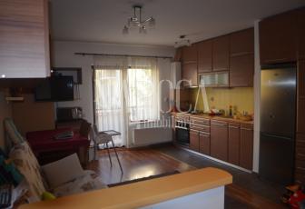 Apartament 3  camere de vanzare in Terra, Floresti