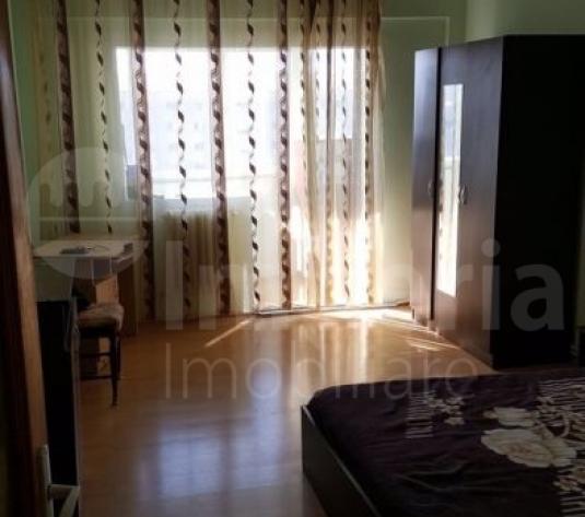 Apartament cu 3 camere decomandat in zona Alexandru