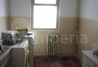 Apartament cu 2 camere modelul decomandat in zona Galata, etajul 1