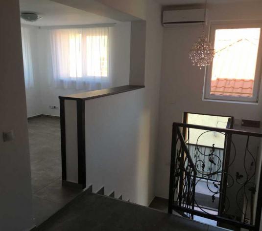 Inchiriere apartament 3 camere in Andrei Muresanu zona str Andrei Muresanu