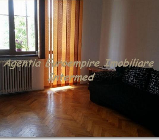 Apartament 3 camere de vanzare Constanta zona Centrala