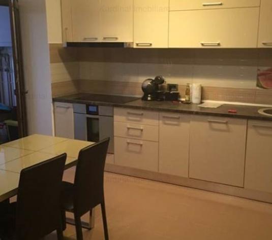 Vanzare apartament 3 camere Isaran, Brasov