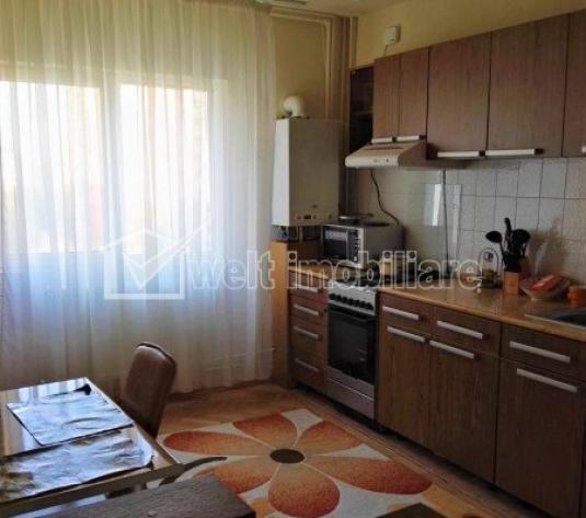Apartament 3 camere, decomandat, etaj intermediar, in Gradini Manastur