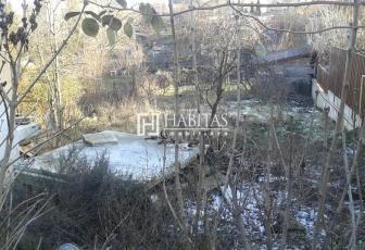 Vanzare teren cu casa veche in Andrei Muresanu