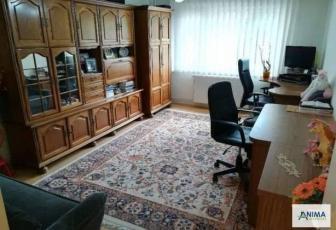 Apartament cu 3 camere de vanzare in zona strazii Plopilor