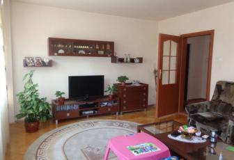 Apartament 3 camere zona Piata Engels