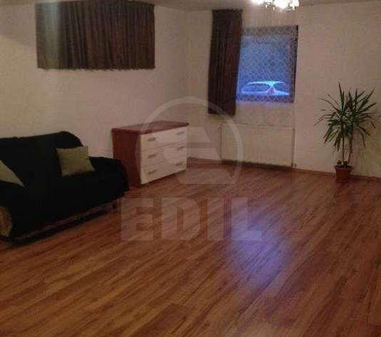 Apartamente de închiriat 3 camere Cluj-Napoca, Europa