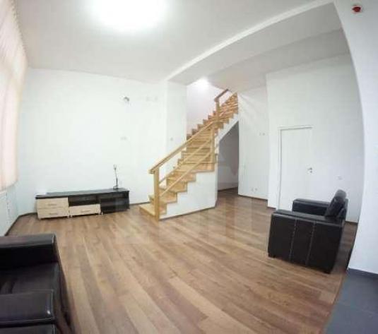Case de închiriat 4 camere Cluj-Napoca, Central