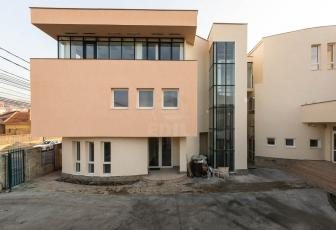 Birouri de închiriat 16 incaperi Cluj-Napoca, Dambu Rotund