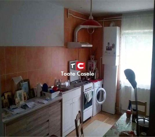 Apartament cu 3 camere, zona Dunarii