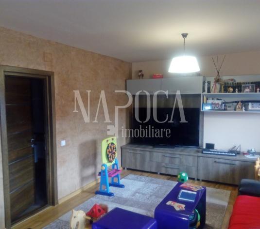 Apartament 4  camere de vanzare in Floresti, Floresti