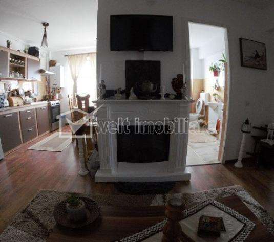 Apartament 3 camere de vanzare, ansamblu rezidential Razoare, 68mp+mansarda 50mp