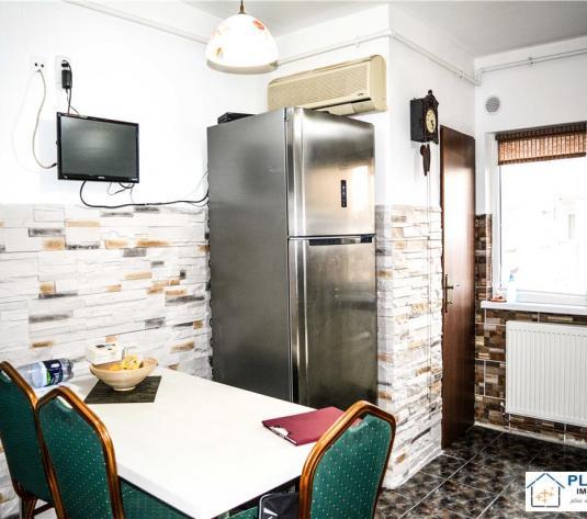Apartament 3 camere decomandat, Semicentral