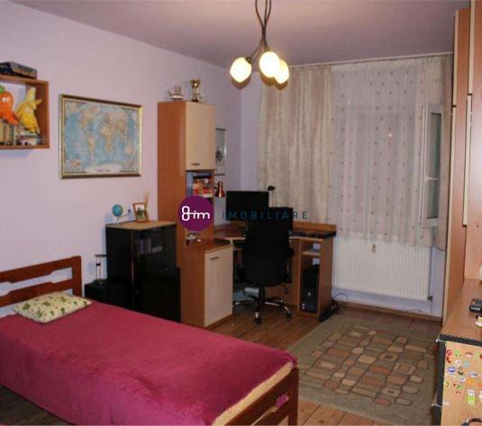 Vanzare apartament 2 camere, 49 mp, zona Lunii !