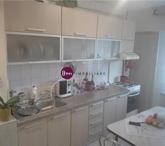 Vanzare Apartament 4 camere, 80 mp, zona A.Vlaicu !