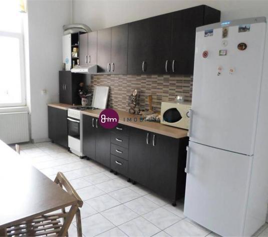 Vanzare Apartament 2 camere, 83 mp, zona strazii Horea !