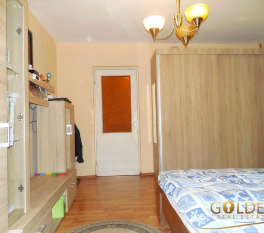 Vand apartament 2 camere, Micalaca zona 500, etaj 1, spatios 72 mp, semidecomandat, amenajat modern (ID: 1150)