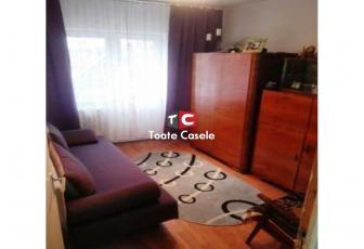 Apartament cu 4 camere, etaj intermediar, zona Aurel Vlaicu