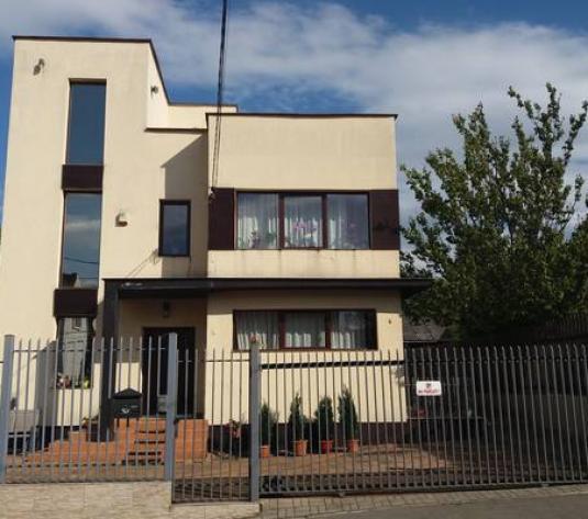 Vilă cu 6 camere de vânzare în zona Andrei Muresanu