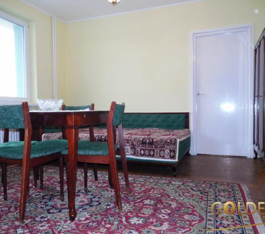 Vand apartament 2 camere, zona Centru-Gara, etaj 2, spatios 61 mp, semidecomandat (ID: 1152)
