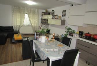 Casa/vila de inchiriat in Iasi, Zona Miroslava, repere: Zona Primarie
