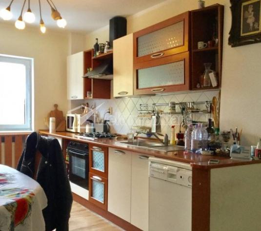 Vanzare  apartament cu 4 camere in Marasti