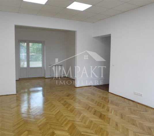 Spatiu de inchiriat 4 camere  in Cluj Napoca -  Centru