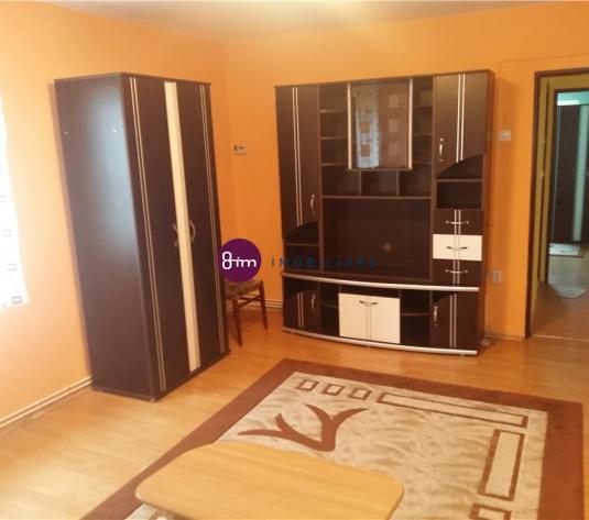 Vanzare Apartament 2 camere, 50 mp, zona Golden Tulip !
