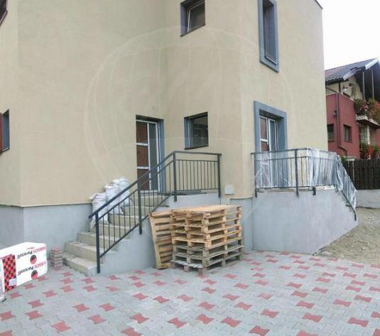 EXCLUSIVITATE! Vânzare apartament  în vilă cu gradină