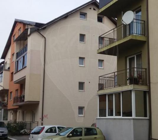 RE/MAX va ofera spre vanzare apartament 3 camere str Eroilor Floresti