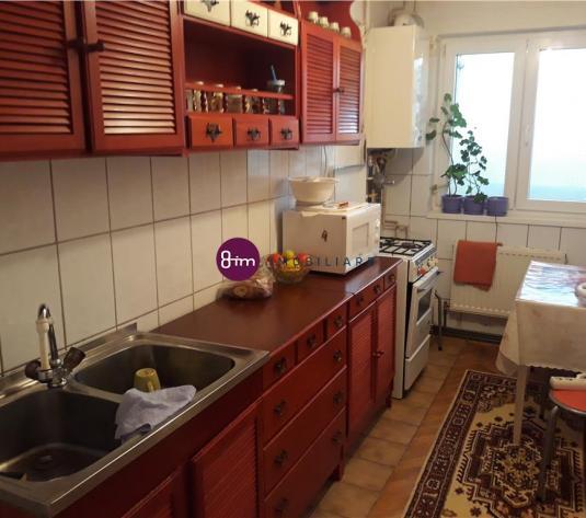 Vanzare Apartament 3 camere, 73mp, zona Petrom !
