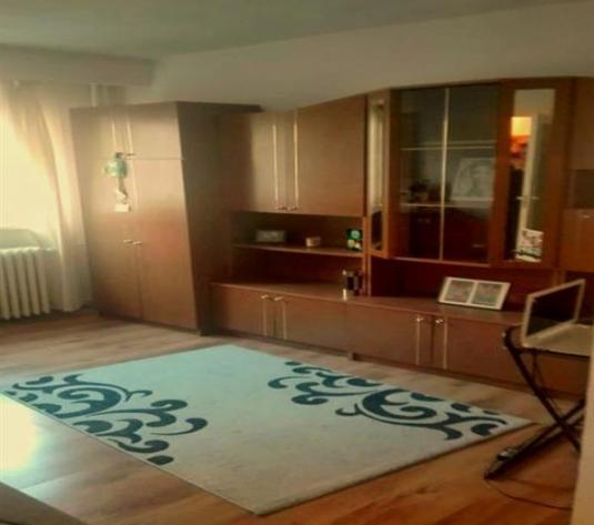 Apartament 2 camere de inchiriat in Cluj, zona Marasti, 330 eur
