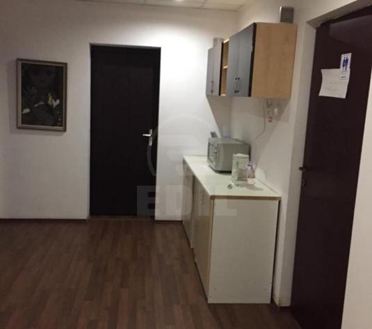 Case de închiriat 12 camere Cluj-Napoca, Central
