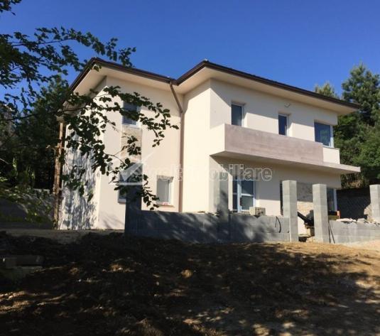 Casa individuala stil mediteranean, 4 camere, 320mp teren, zona Baciu