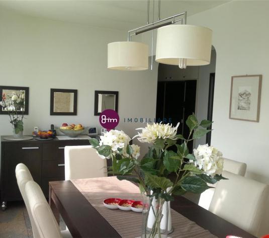 Vanzare apartament 4 camere,135 mp,zona Centrala, gradina 100 mp ,garaj inclus