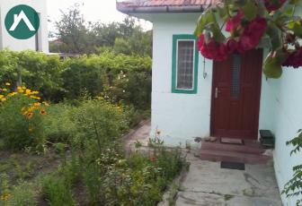 Vand casa cu teren in zona Andrei Muresanu