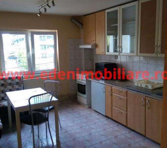 Apartament 3 camere de inchiriat in Cluj, zona Plopilor, 450 eur