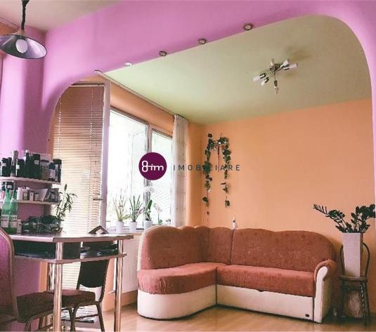Vanzare Apartament 3 camere ,65 mp, zona Al Vlahuta !
