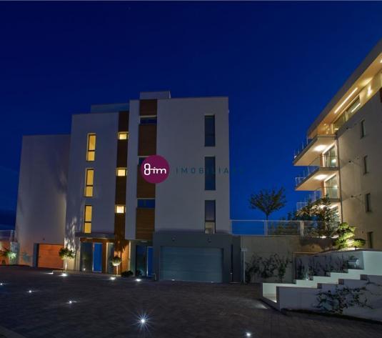 Vanzare Apartament 4 camere 97 mp,2 Terase in suprafata totala de 70 mp, Garaj si loc de parcare exterior, zona Centrul Meteorologic !
